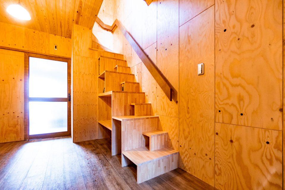 ボックス仕上げの階段