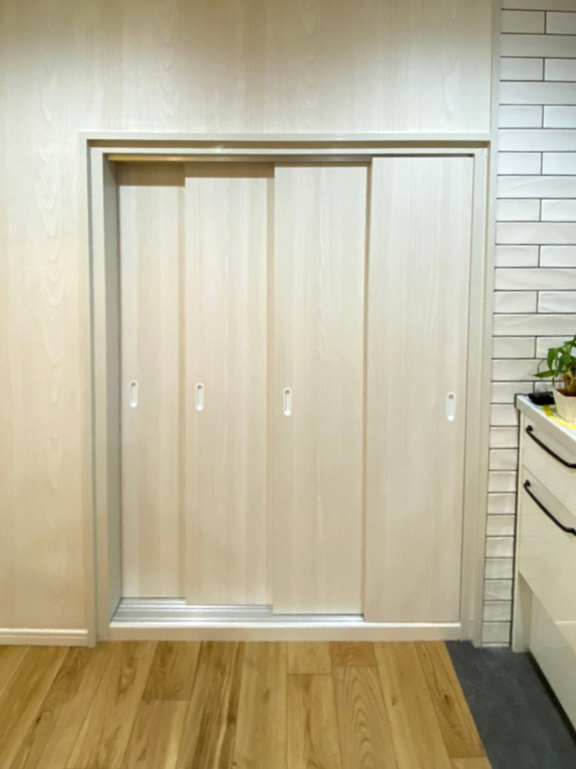 4枚引き戸に変更した素敵な扉